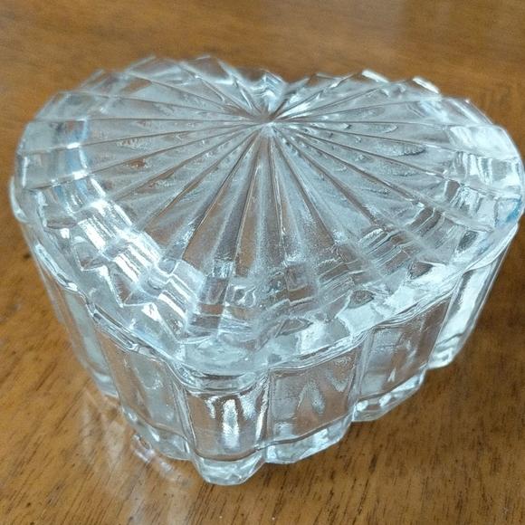 Glass heart jewelry dish